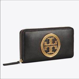 NWT. Tory Burch Leather Wallet